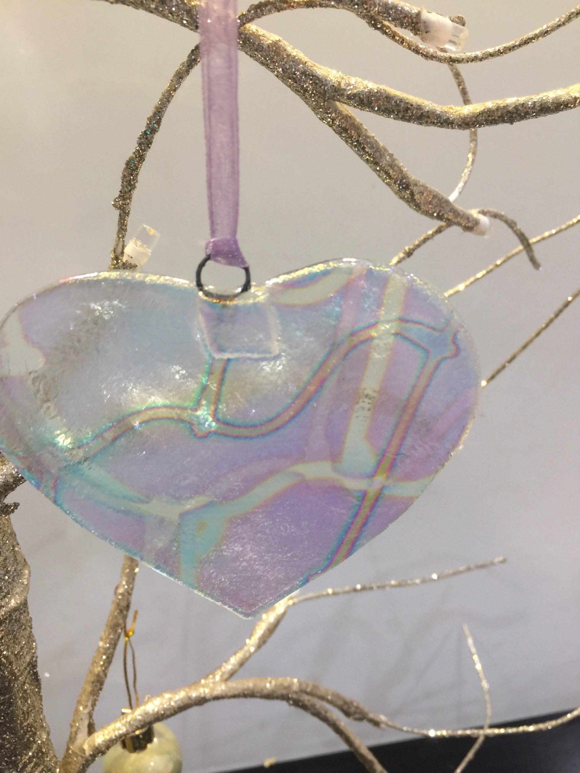 Glass heart hanger